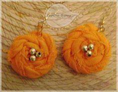 flor enrollada en un hermoso tono naranja by Tupi'na Bijoux, via Flickr