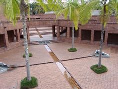 Museo Quimbaya School Architecture, Landscape Architecture, Landscape Design, Sustainable Ideas, Floor Decal, Brick Building, Courtyards, Thesis, Bricks