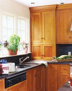 Kitchen Cabinet Color Combos That Really Cook Shaker Style