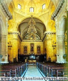 Interior de la Catedral de La Habana / Inside the Cathedral, Havana, Cuba