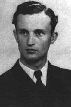 "Oberleutnant zur See Hans-Joachim Förster (1920-1945), Kommandant Unterseeboote ""U 480"", Ritterkreuz 18.10.1944"
