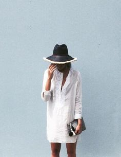 Summer outfit, white shirt dress + hat