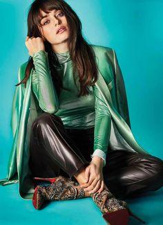 Turkish Women Beautiful, Turkish Beauty, Lana Del Rey Ride, Actrices Hollywood, Turkish Fashion, Just Beauty, Aesthetic Images, Beautiful Hijab, Turkish Actors