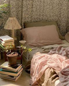 Room Ideas Bedroom, Bedroom Decor, Bedroom Signs, Decorating Bedrooms, Bedroom Curtains, Bedroom Apartment, Bed Room, Pretty Room, Aesthetic Room Decor