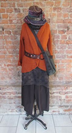 Nothing screams fall quite like the color combo of burnt orange and brown!! Outfit details: hat by Grevi, cardigan by Wooden Ships, top by Spirithouse, pants by Eleven Stitch Design, belt by Brave and bag by Jack Gomme. All items are available at our main store!!!!