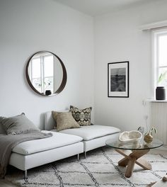 Minimal living room in natural colors - via Coco Lapine Design blog