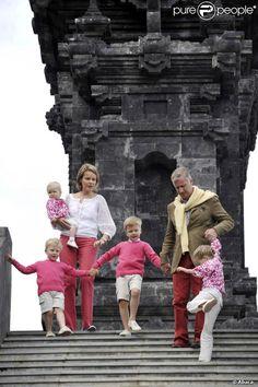 princesse mathilde et prince philippe  avec les enfants