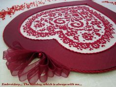 "Embroidery ... The holiday, which is always with me...: Подвеска ""Here's My Heart"" (""Вот мое сердце"")/ Sue Hillis Designs"