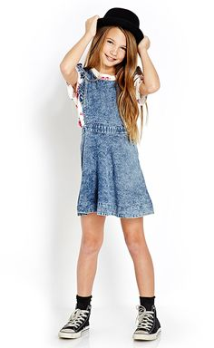 Get this Prairie Denim Dress here #F21Girls #Juniors #Denim