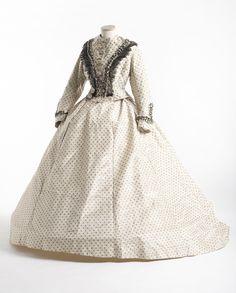 Moiré silk taffeta dress, c. 1862. Charleston Museum