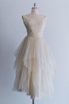 ballerina wedding dress. swoon.
