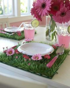 If you can't get outside this Easter, bring the outdoors in with a patch of faux grass as table mats! The rich greens paired with a hot pink Metro would look fab!