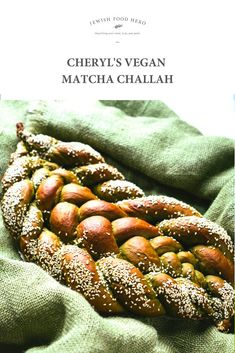 Vegan Matcha Challah Recipe.. This eye-catching version of our Jewish classic bread is stunningly bright green! Spread with tahini and a sprinkle of natural palm sugar or drizzle of maple syrup for a sweet breakfast or snack. Or slice and serve with any nut butter for a delicious accompaniment to a hot cup of fruity tea. Or bake and enjoy as it on Shabbat or any other Jewish holiday. #challahrecipe #challahbread #challahbake #challahbaking #challahbraiding Challah Recipe Jewish, Matcha, Palm Sugar, Jewish Food, Jewish Recipes, Sweet Breakfast, Nut Butter, Vegan, Tahini