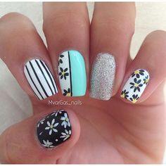 Nailpolis Museum of Nail Art Black And White Nail Art, White Nails, Sparkly Nails, Trendy Nail Art, Easy Nail Art, Finger Nail Art, Floral Nail Art, Fabulous Nails, Flower Nails