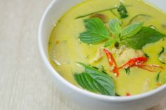 Thai Green Curry Serve: 4 Ingredients 1 ¾ Cup Coconut Milk 50 G Curry Paste 1 Lbs Chicken Thigh 1 Cup Chicken Stock 2 Tbsp Honey 1-2 Tbsp Fish Sauce 3 Pcs Kaffir Lime Leaves 1.5 Cup Bamboo Shoots 60 G Red Bell Pepper Diced of Sliced 1 Cup Thai Basil Leaves  Garnish Sliced Red Chilies