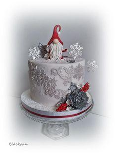 Christmas Ice Cream Cake, Christmas Themed Cake, Christmas Cake Designs, Christmas Deserts, Christmas Cake Decorations, Christmas Treats, Christmas Baking, Christmas Cookies, New Year's Cake