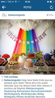Mesa festa arco-íris