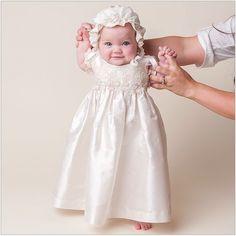 Lindas ideas para vestir a tu bebé en su bautizo | Blog de BabyCenter