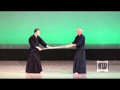 Shinto Muso-ryu Jojutsu - YouTube