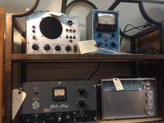 Vintage transmitters, and radios. Radios, Espresso Machine, Kitchen Appliances, Technology, Vintage, Espresso Coffee Machine, Diy Kitchen Appliances, Tech, Home Appliances