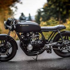 What a lovely Sunday, delivering our 'MarkOne' to our Client's doorstep and throwing in a pair of our handmade wooden shades to… Suzuki Cafe Racer, Cafe Racer Honda, Cb 750 Cafe Racer, Custom Cafe Racer, Cafe Racer Build, Cafe Racer Motorcycle, Brat Bike, Moto Cafe, Cafe Bike