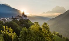 The church in Colle Santa Lucia in the morning sun by Hans Kruse on 500px