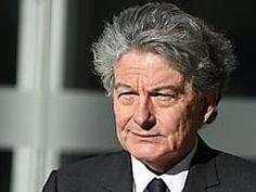 L'ex-ministre de l'Economie Thierry Breton frappé et séquestré lors d'un cambriolage Thierry, Bricolage