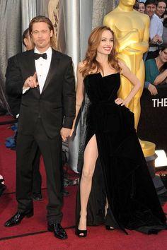 Oscar Night Extravaganza ><  Angelina Jolie in Atelier Versace