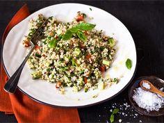 Tabouleh-salaatti on alkujaan libanonilainen. Tabouleh-salaatti on raikas salaatti bulgurista, yrteistä, ja kasviksista. Tabouleh sopii hyvin noutopöytään, illanistujaisiin, ja liharuokien lisukkeeksi.