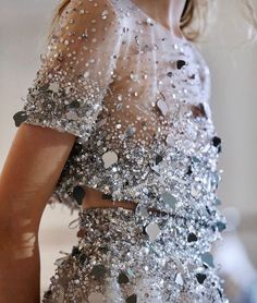 haute couture fashion – Gardening Tips Fashion Details, Look Fashion, Runway Fashion, Womens Fashion, Fashion Trends, Fashion Design, 90s Fashion, Fashion Clothes, High Fashion Dresses