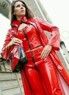 Raincoats For Women Long Sleeve Fetish Fashion, Latex Fashion, Imper Pvc, Mode Latex, Red Raincoat, Leather Pants Outfit, Vinyl Clothing, Leder Outfits, Latex Girls