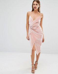 Тренд: бархатное платье с запахом 1