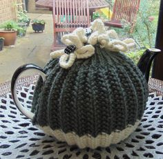 Tea Cosy by LittleDaisyKnits on Etsy