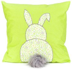 Kissen mit Hase - Free pdf pattern (click Hasen Vorlage at the end) and step by step Photo tutorial - Bildanleitung und gratis pdf Schnittvorlage Cute Pillows, Diy Pillows, Decorative Pillows, Cushions, Love Sewing, Sewing For Kids, Sewing Crafts, Sewing Projects, Easter Pillows