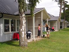 Ystad Camping Ystad Located 3 km from central Ystad, these cottages include a fully equipped kitchen and a private patio. The sandy Sandskogens Beach is 300 metres away. A seating area, dining area and TV are featured in all cottages at Ystad Camping.