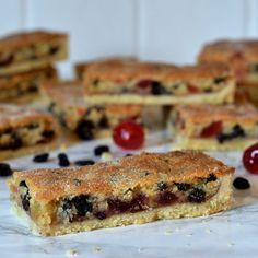 Paradise Slice - Baking with Granny Baking Recipes Uk, Tray Bake Recipes, Cookie Recipes, Dessert Recipes, Brunch Recipes, Scottish Recipes, British Bake Off Recipes, Sweet Recipes, Yummy Recipes