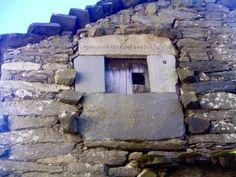 Maestría de nuestros antepasados en la construcción de la Arquitectura Popular  Foto : Vilar (Ourense