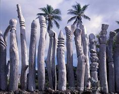 Totemic works from New Caledonia South Pacific, Pacific Ocean, Islands In The Pacific, Family Cruise, Solomon Islands, Paradise Island, Land Art, Papua New Guinea, Archipelago