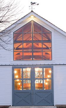 Beautiful barn. I love the open front and all the natural light it must get during the day.