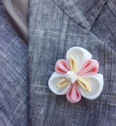 Lapel Pins Mens Lapel Pin Flower White Lapel Flower Kanzashi Brooch Iris Boutonniere Wedding Party Gift Groomsman Gift For Men Mother Gift Custom Lapel Pins, Lapel Flower, Kanzashi Flowers, Fabric Squares, Gifts For Wedding Party, Flower Shape, Groomsman Gifts, Mother Gifts, Fabric Flowers