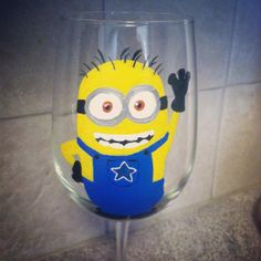 Your place to buy and sell all things handmade Minion Glasses, White Wine, Red Wine, Easy Crafts, Arts And Crafts, Mountain Wedding Invitations, Despicable Me, Minions, Sewing Crafts