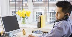 ¿Cómo puedo crear y publicar un sitio web usando Visual Studio Express?. La plataforma web de Microsoft incluye Visual Web Developer (también conocido como Visual Studio 2010 Express), SQL Server 2008 Express Edition, Silverlight Tools, Internet Information Server (IIS) y las extensiones de ASP.NET. Puedes optar por desarrollar en Visual C # o Visual Basic en la misma herramienta. De hecho, tu sitio web puede contener ...