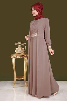 Party Gamis Models For Fat Women Abaya Fashion, Muslim Fashion, Fashion Dresses, Hijab Dress Party, Hijab Style Dress, Trendy Dresses, Modest Dresses, Model Baju Hijab, Dress Pesta