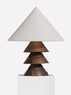 WARREN MCARTHUR, Table lamp from the Arizona Biltmore,USA, c. 1927.Material welded copper, silk and brass. / Patternity