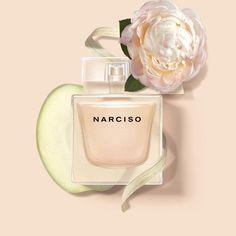 Narciso Rodriguez Narciso Grace: кликните для увеличения изображения Perfume Ad, Perfume Bottles, Body To Body, White Jasmine, White Cedar, Narciso Rodriguez, Fragrance, Pure Products, Beauty