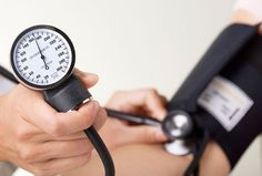 E.R. physician Dr. Travis Stork offers tips to lower blood pressure without medication.
