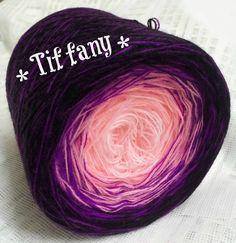 Tiffany: HB-Acryl 3 Fäden, 4 Farben weiss lachs violett schwarz 4 Farbwechsel