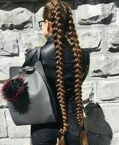 ⭐️Creativity⭐️ 💁🏼 🔹Having very long hair gives you the opportunity to make very creative and beautiful hairstyles of big variety! Really Long Hair, Super Long Hair, Thick Long Hair, Beautiful Long Hair, Gorgeous Hair, Pretty Hairstyles, Braided Hairstyles, Simple Hairstyles, Little Girl Hair