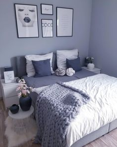 There are a lot of natural ways of decorating your bedroom. For example, you can use natural gifts like wonderful looking sea shells, glass, pine cones etc. Using these items can result in a brilliant texture to the bedroom decoration. Home Decor Shops, Online Home Decor Stores, Bedroom Wall Colors, Bedroom Decor, Bedroom Ideas, Grey Bedroom With Pop Of Color, Boys Bedroom Furniture, Cosy Room, Sofa Couch