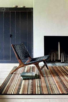 Whether carrying the classic character of times past or updating those designs with contemporary flourish, the Noble and Modern Art rug ranges beautifully meet inspired style with superb manufacturing technique. Contemporary Rugs, Modern Rugs, Modern Art, Outdoor Chairs, Outdoor Furniture, Outdoor Decor, Rug Company, Machine Made Rugs, World Cultures